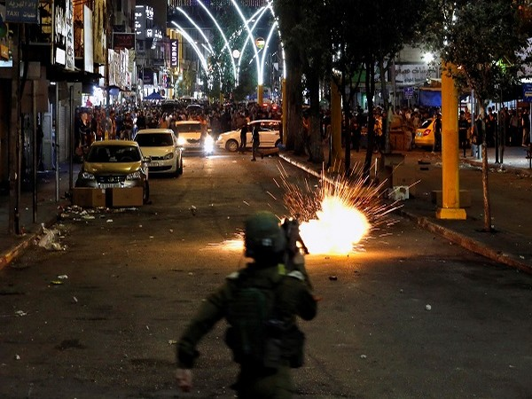20 Palestinians injured in clashes with Israeli citizens, security forces in Jerusalem