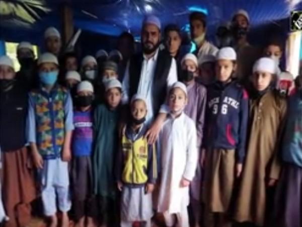 Imam Association J-K chairperson urges students to work towards peace, de-radicalisation