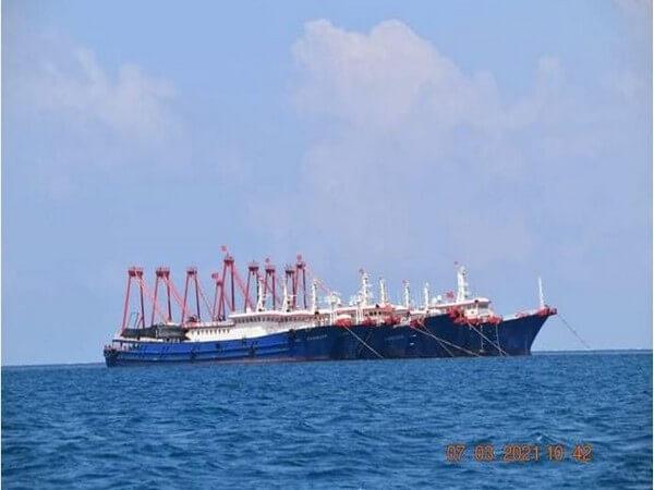 Two Chinese ships enter Japan's territorial waters off Senkaku Islands