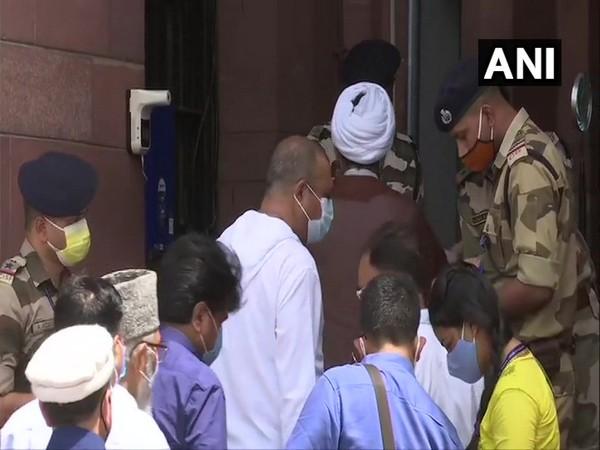 Ladakh leaders meet MoS Kishan Reddy in Delhi, demands statehood