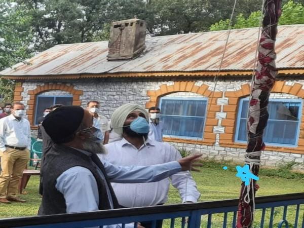 Independence Day: Slain terrorist Burhan Wani's father hoists national flag in J-K's Pulwama