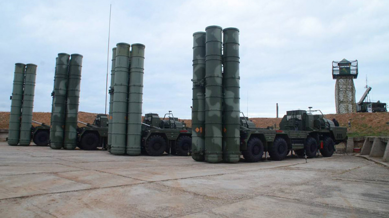 Russia begins rollout of new S-500 air defence system – report