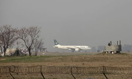 Pakistan Airlines suspends Afghan operations, citing Taliban interference